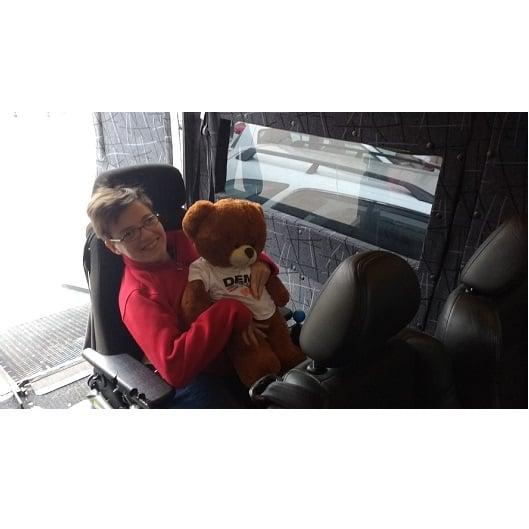 Klientka w środku busa Demi-Trans